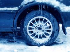 wheel_closeup_winter