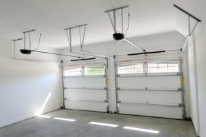 garage_interiorshutterstock_85743676