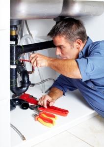 plumber_kitchensinkshutterstock_85627669