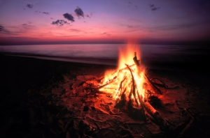 campfireshutterstock_134077718