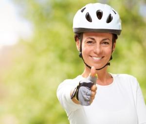 thumbsup_woman_bikeshutterstock_119712292