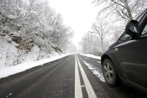 safe_winter_driving-shutterstock_91827941
