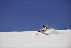 skiing-shutterstock_48175102