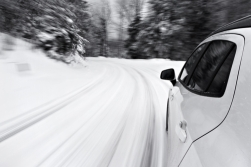 winter-driving-shutterstock_128420186