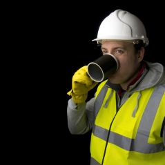 worker-drinking-warm-shutterstock_129329219