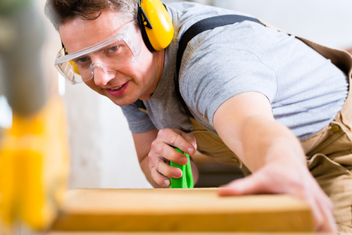 hearing-carpenter-safety-shutterstock_184739723