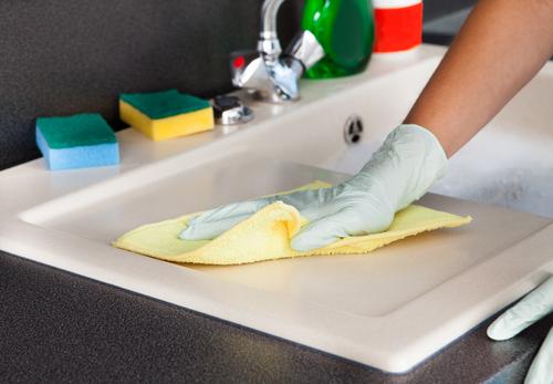 clean-countertop-shutterstock_146648504