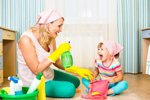 kid-cleaning-room funshutterstock_172645325