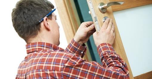 handyman-shutterstock_124116460